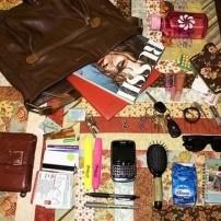 magazine-girl-purse-content